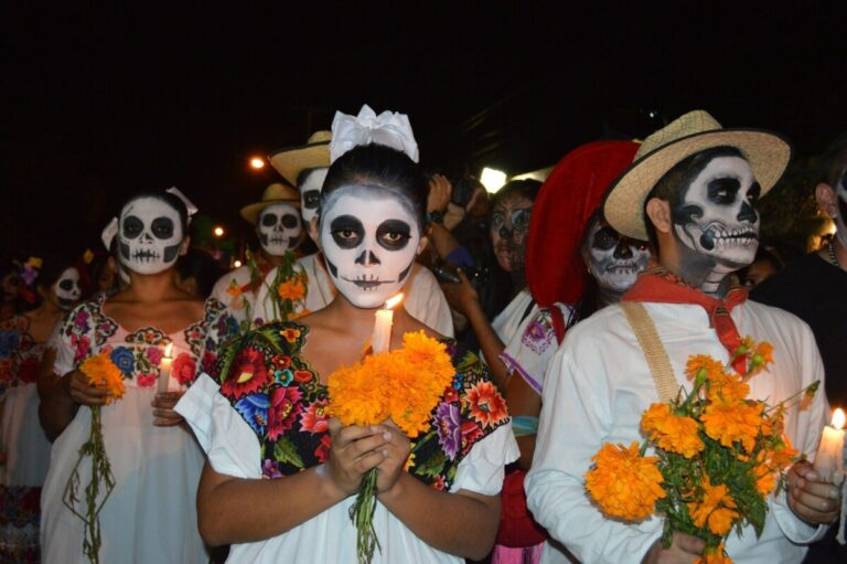 Day of the Dead in Mexico Traditions - MExplor Blog