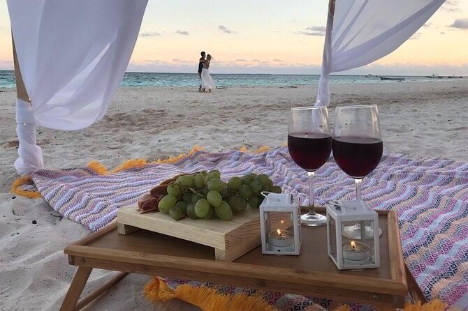 Romantic date in Cancun