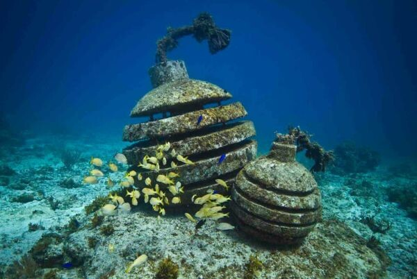Cancun Underwater Museum - MExplor - time bomb