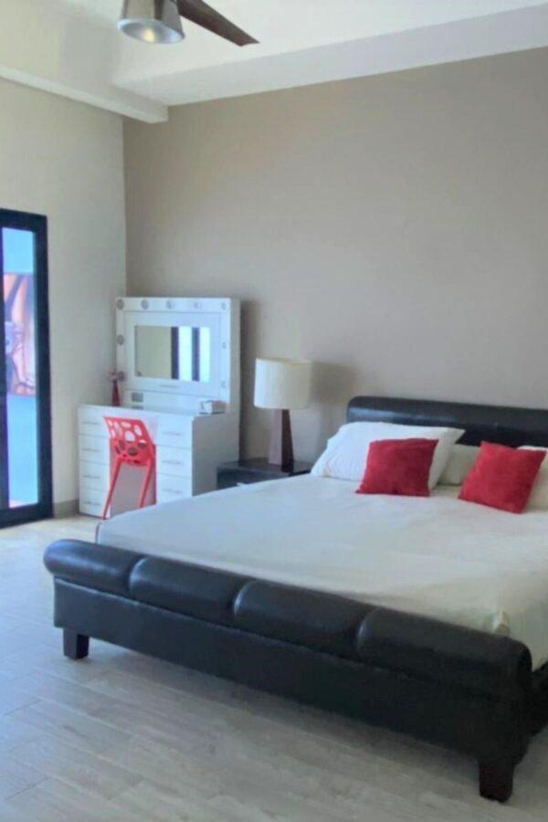 MExplor Villa Main bedroom
